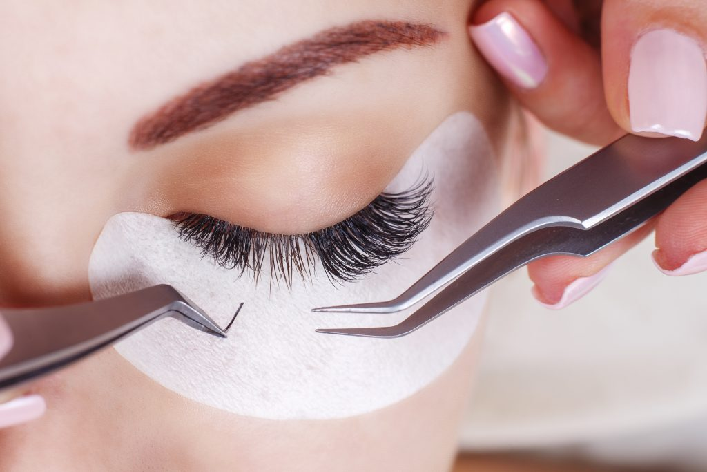are eyelash extensions safe